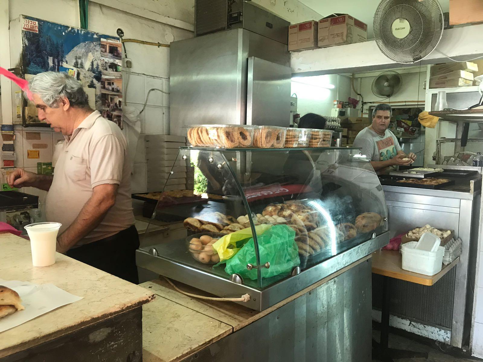 המסעדות הטובות ביותר ב יהוד - בורקס חזן