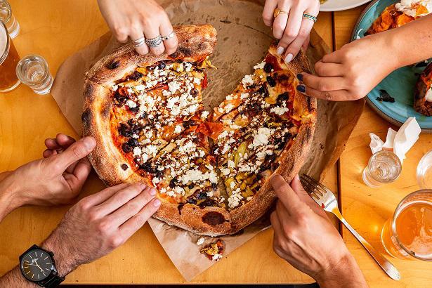 המסעדות הטובות ביותר ב גבעתיים - פאצה פיצה בר, גבעתיים